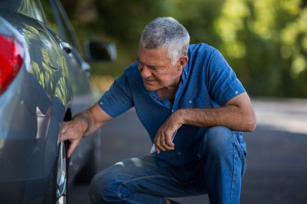Ritiro auto incidentate: siamo reperibili in ogni momento - Carrozzeria Crotta