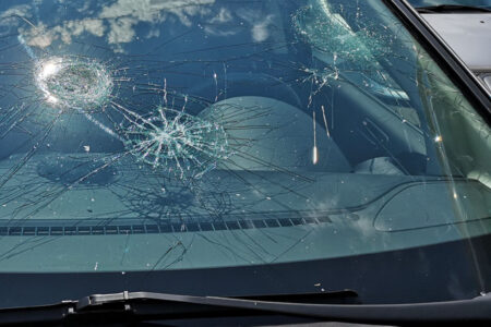 graffi vetro auto